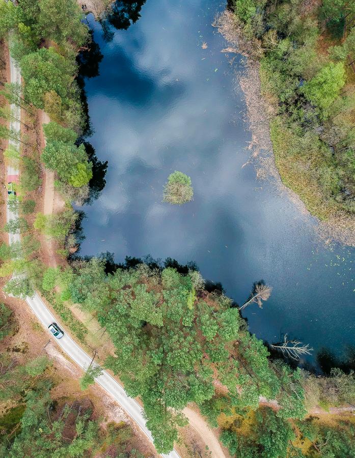 Dron jezioro